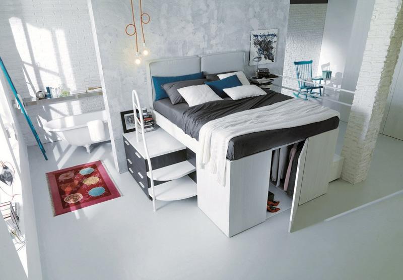 Так как кровать выше стандартной, то для нее потребуется лестница. Она является одним из дополнительных модулей, которыми можно доукомплектовать кровать.