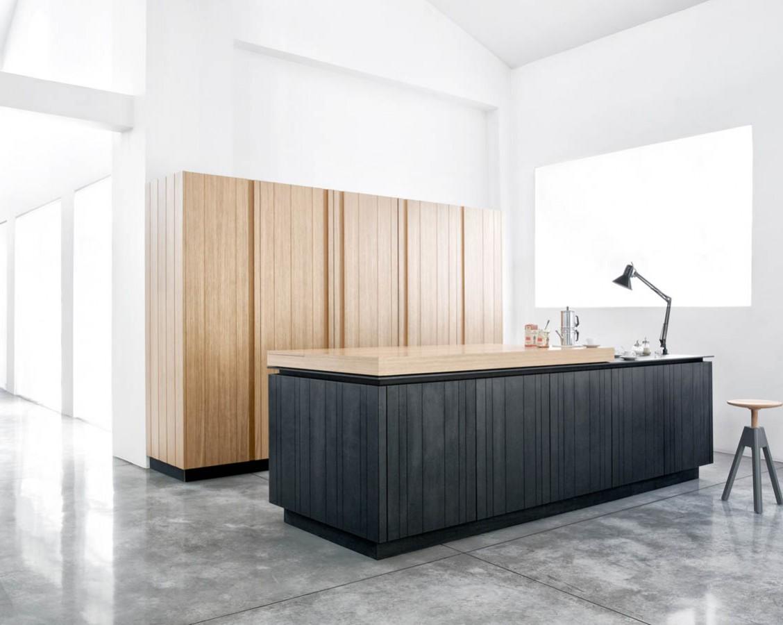 Кухня Paperwood. В закрытом состоянии едва ли можно узнать кухню в минималистичном дизайне.
