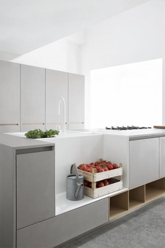 Кухня Polaris Cucine. С противоположной стороны от кухонной мойки расположена полка (часть мойки), которая легко моется.