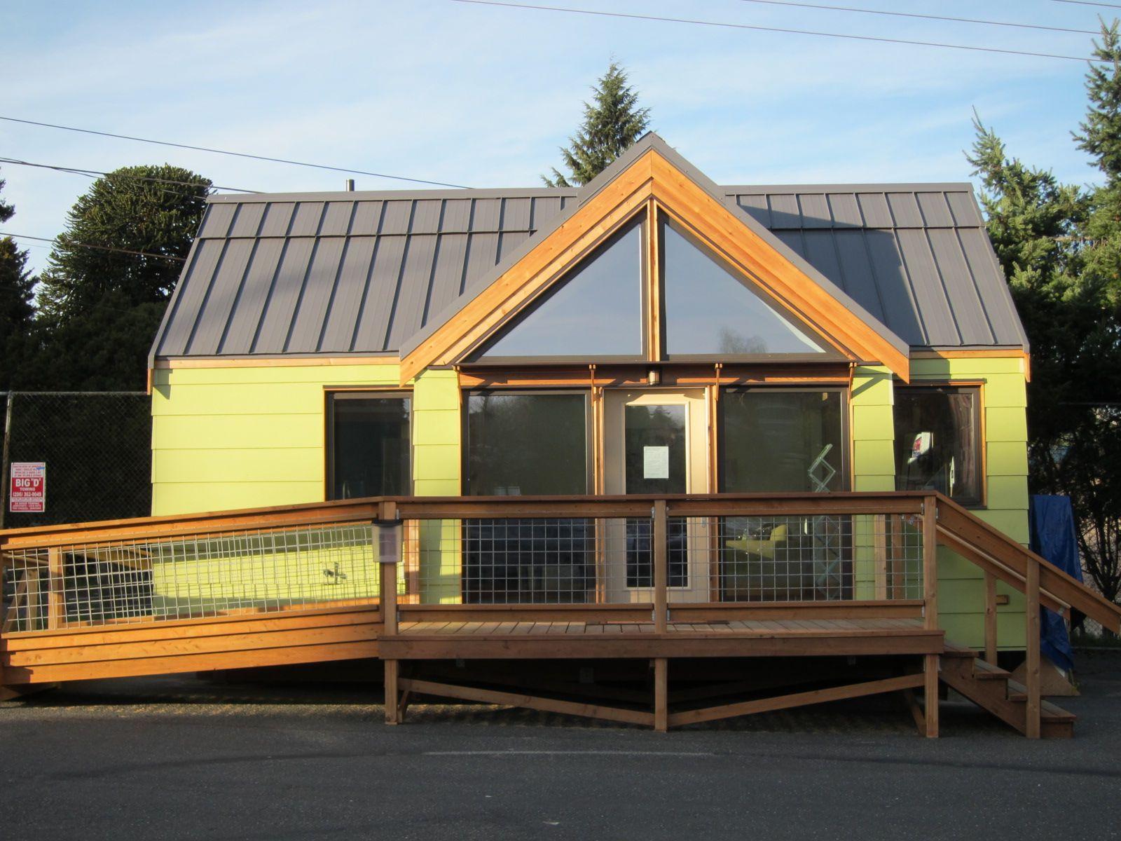 http://st.effectivehouse.com/upl/16/joseph-giampietro-mini-b-exterior2-via-smallhousebliss.jpg