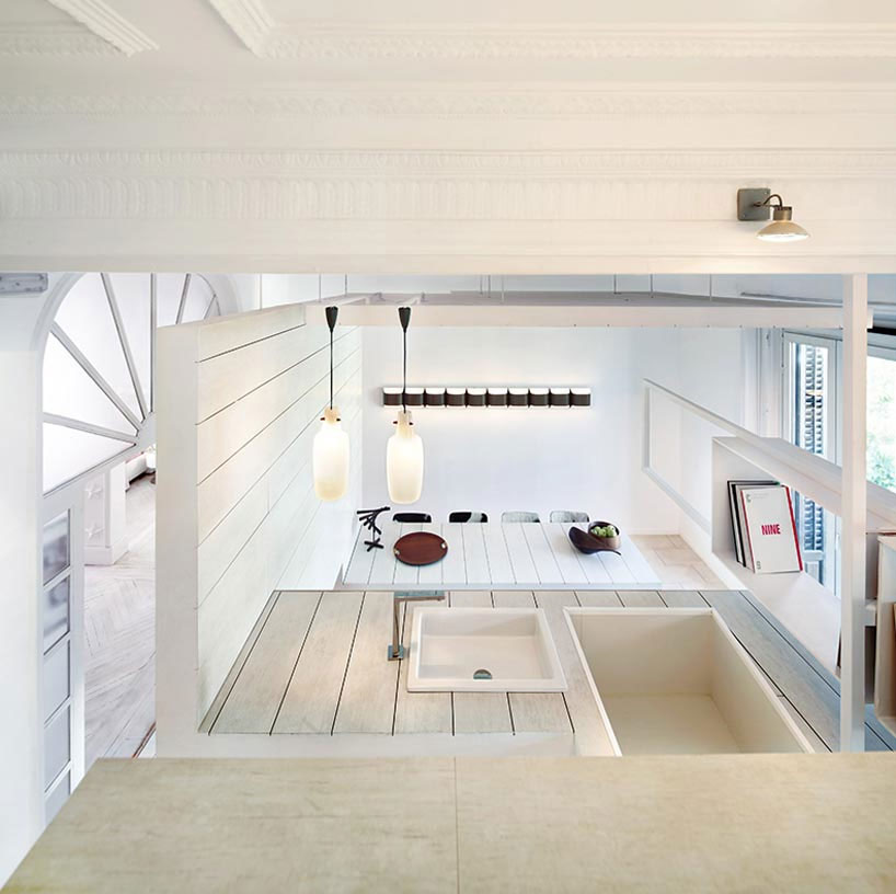 http://st.effectivehouse.com/upl/2/Ceramic-House-Madrid-Spain-28.jpg
