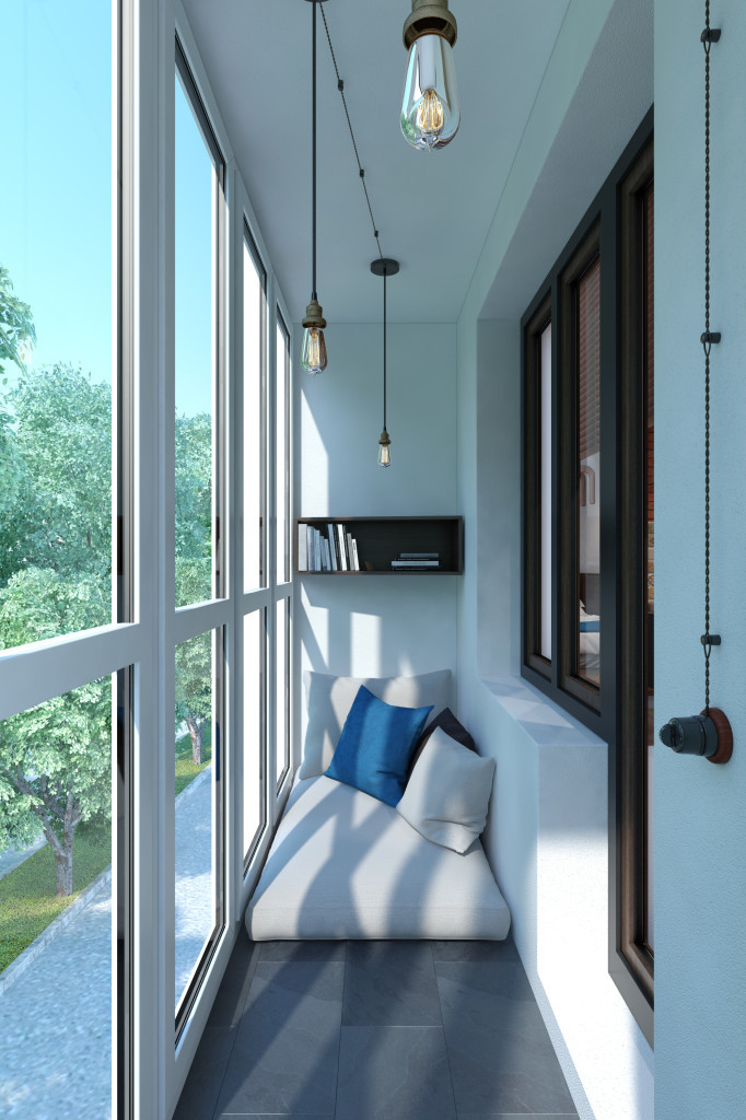 Удобное бескаркасное кресло очень удачно стало на узком балконе.