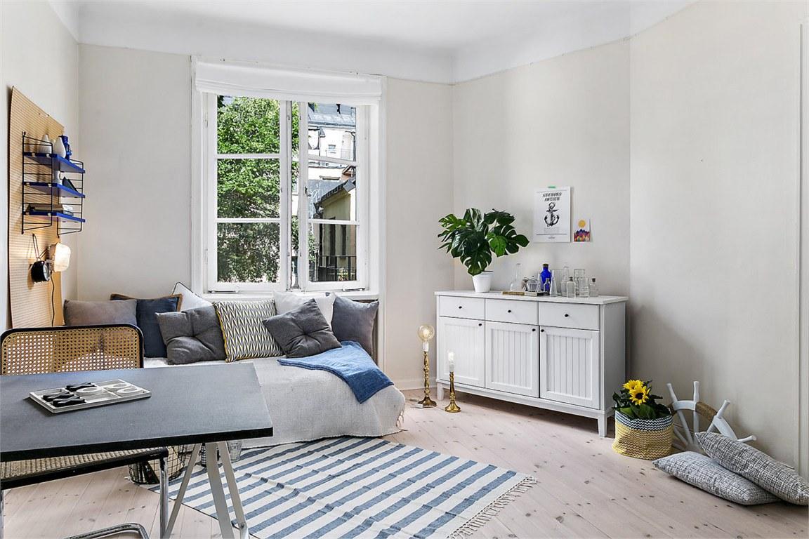 Даже в маленькой квартире есть место для декора и создания атмосфкры приятной жильцу.