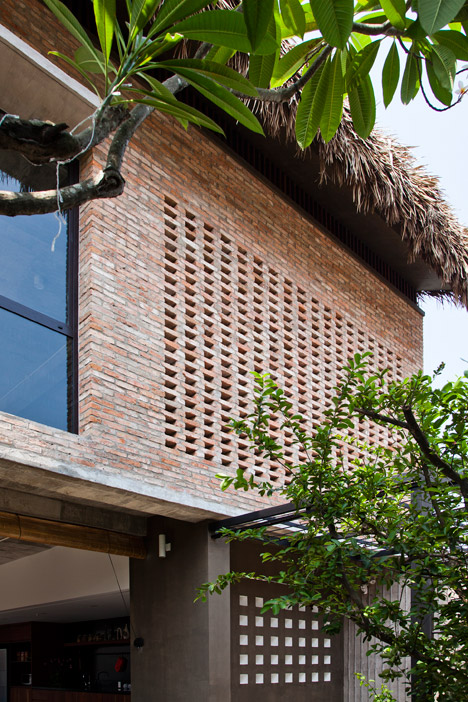 Перфорированная кладка широко применяется для вентиляции помещений дома.